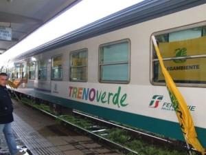 normal_Treno-Verde-di-Legambiente-a-Crotone.-23-24-e-25-Febbraio-2010-116